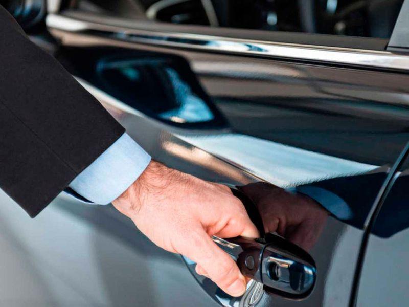Alquiler de vehiculos con conductor en Malaga - alquiler vehiculos conductor02