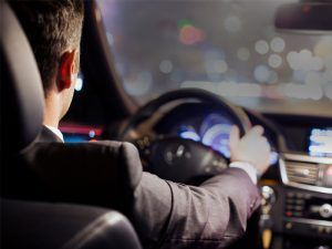 ¿Por qué alquilar un coche con conductor para el día de tu boda? - Por qué alquilar un coche con conductor para el día de tu boda 300x225
