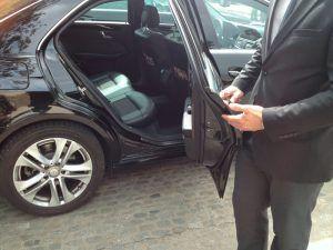 Alquiler de coche con conductor en Madrid - alquiler de coche con conductor03 300x225