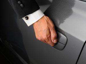 5 razones para alquilar un coche con conductor - 5 razones para alquilar un coche con conductor 300x225